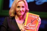 Новая книга Джоан Роулинг побила трехлетний рекорд продаж в Британии