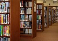 Букридеры и Интернет отнимают посетителей у библиотек