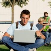 Американские студенты относятся к е-книгам без энтузиазма
