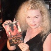 Американская писательница заключила с издателем контракт на 75 романов