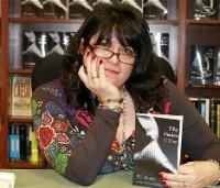 Э. Л. Джеймс признана самым коммерчески успешным автором года