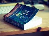 Британский издатель романа «Жизнь Пи» продал 3 141 593 копии бестселлера