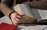 Почти треть россиян не читает книги