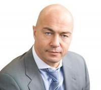 Известия — Олег Новиков: «Нельзя заставить людей читать то, что нравится нам с вами»