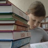 В нескольких школах Москвы вместо учебников появятся букридеры