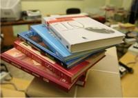 Качество школьных учебников проконтролируют в Интернете